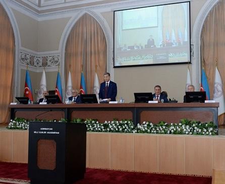 AMEA-da 15 sentyabr ‒ Bilik Gününə həsr olunan toplantı keçirilib