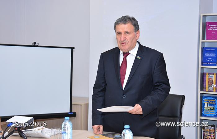 """Professor Əli Rəcəblinin """"Sikkə və dövlətçilik"""" kitabının təqdimatı olub"""