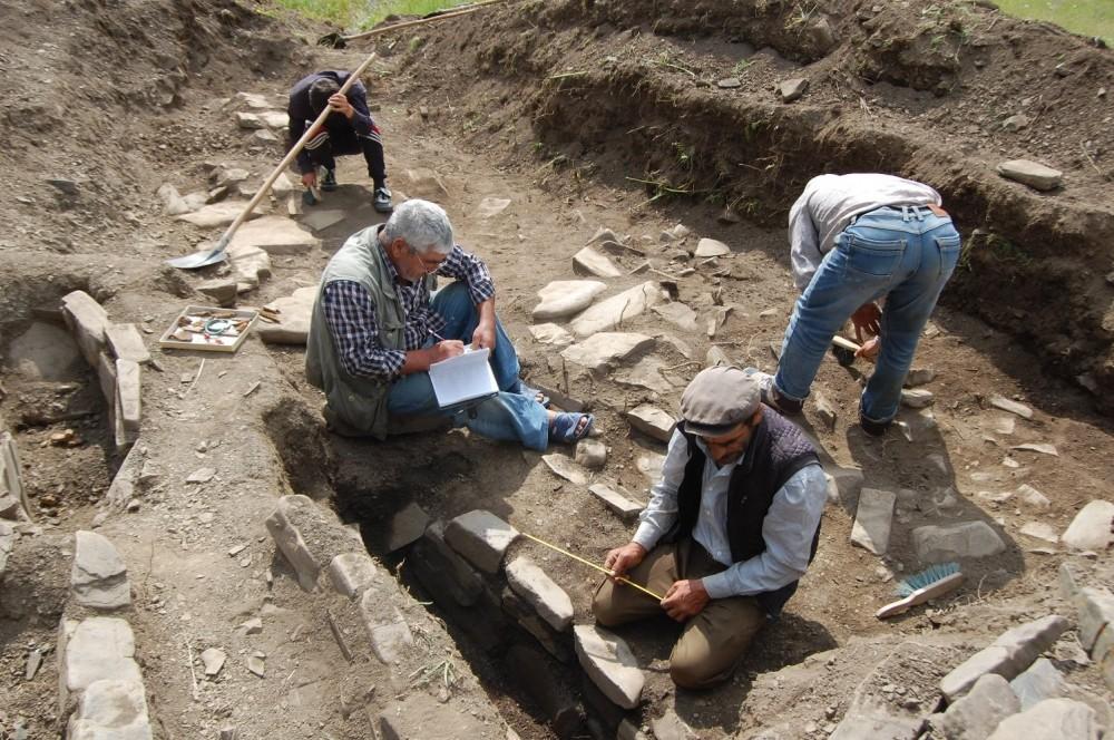 Xınalıqda 2500 il yaşı olan qədim nekropol aşkarlanıb