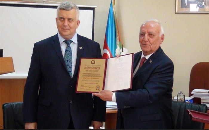 Rusiyalı tarixçi Oleq Kuznetsov Tarix İnstitutunun fəxri doktoru seçilib