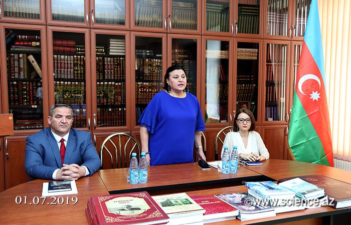 Şərqşünaslıq İnstitutunda Nəsiminin 650 illik yubileyinə həsr olunan seminar keçirilib