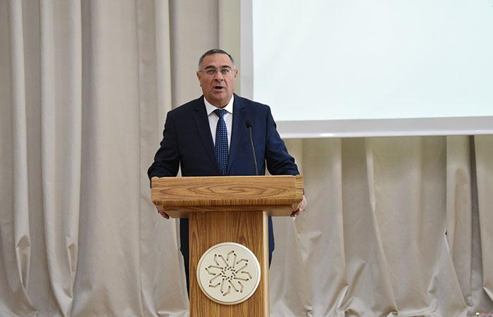 """""""Görkəmli Azərbaycan mütəfəkkiri: Nemətullah Naxçıvani"""" mövzusunda beynəlxalq konfrans keçirilib"""