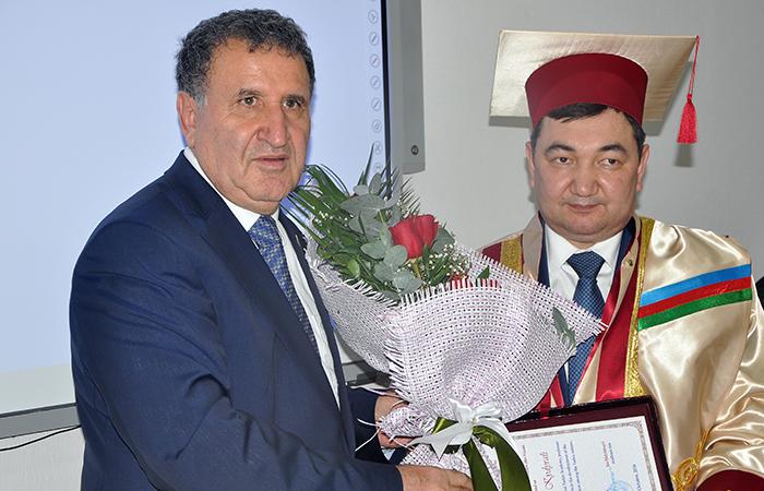Türk dünyasının alimləri mükafatlandırılıblar
