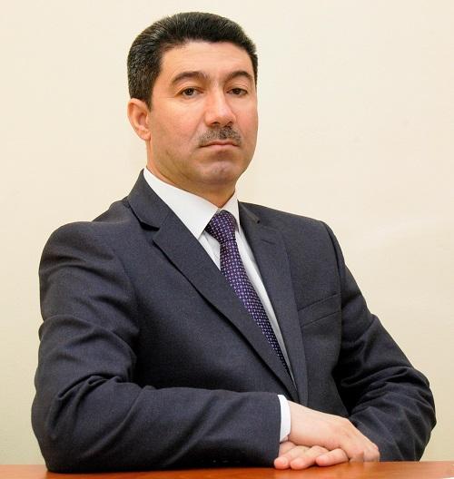 Müdrik Prezident, müzəffər Ali Baş Komandan